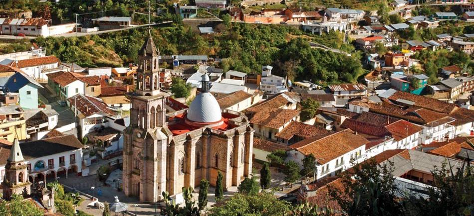 Travelzone te invita a visitar. Angangueo, Michoacán.