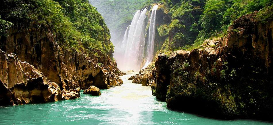 La cascada de Tamul, San Luis Potosí.