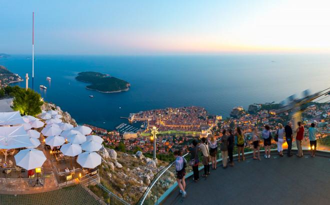 Vistas de Dubrovnik desde el monte Srd, Croacia.