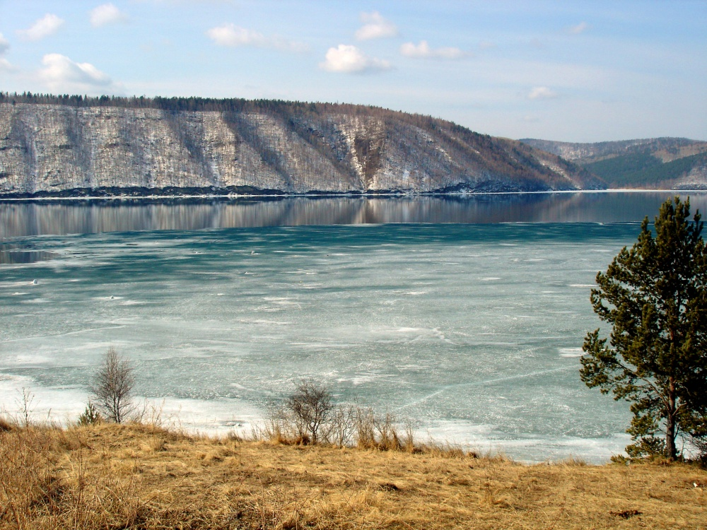 2915310-Angara-Lake_Baikal_1-1000-1464523250