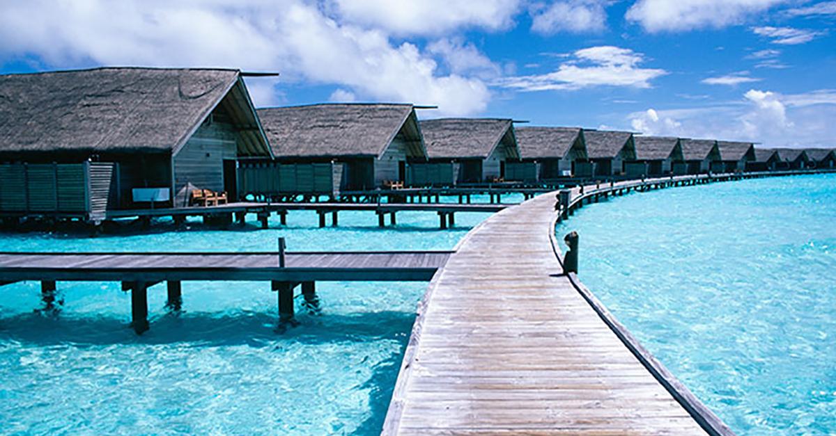12 hoteles de lujo con las mejores vistas del mundo for El mejor hotel de islas maldivas