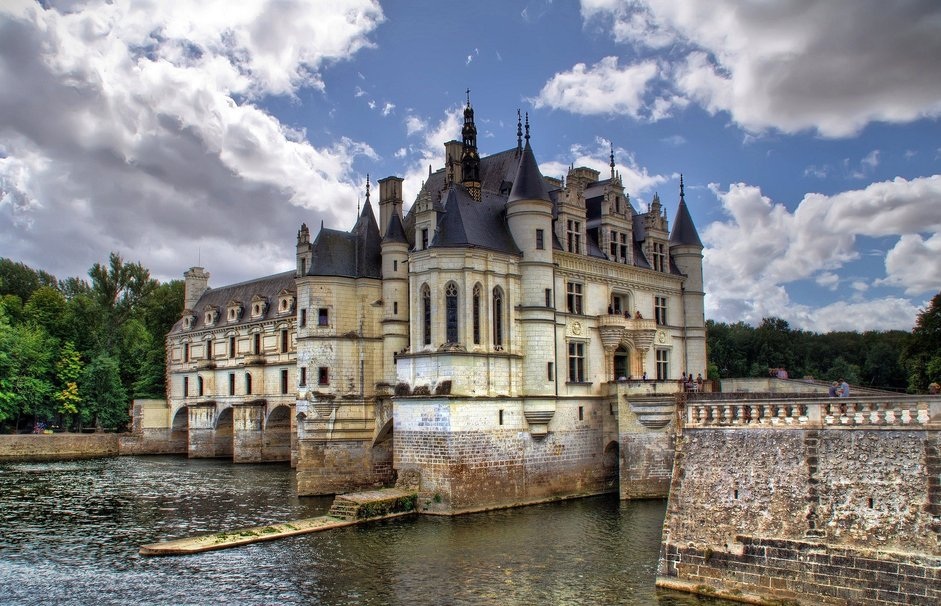 109078__castles-of-loire-france_p